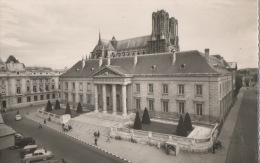 CPA 1513 CPM 51 Reims Palais De Justice Et La Cathédrale Animée Voiture - Reims