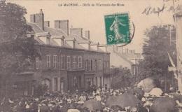 58) La Machine (Nièvre) Le Défilé De L´Harmonie Des Mines - La Machine