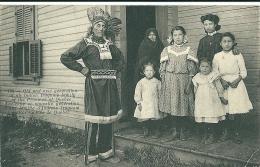 Ancienne Et Nouvelle Generation D'une Famille D'indiens Iroquois De La Province De Quebec - Indios De América Del Norte