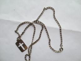 CHAÎNE AVEC CROIX ENSEMBLE METAL ARGENT  POIDS 13,50 Grammes Llongueur 62 Cm VOIR PHOTOS - Necklaces/Chains
