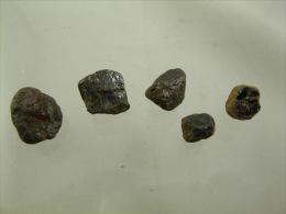 RUTILE (5) DE 6 A 13 MM LAVOUTE CHILHAC - Météorites