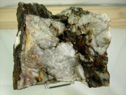 WOLFRAMITE ET RARE CHALCOPYRITE DANS QUARTZ  8 X 7 CM LEUCAMP - Meteorites