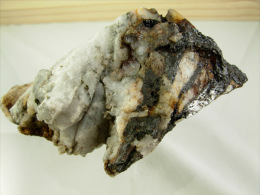 WOLFRAMITE RARE PYRITE ET GOETHITE  DANS QUARTZ  8 X 6 X 5 CM LEUCAMP - Meteorites