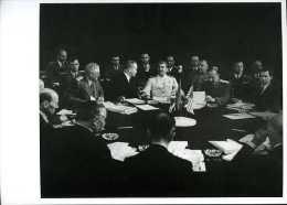 Guerre 39 45 : Staline à La Conférence De Postdam Par Khaldei - Characters