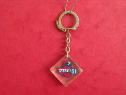 Porte Clef - Pastis 51 (Année 50/60/70 Occasion 2 Photos) - Porte-clefs