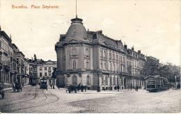 BRUXELLES. (Laeken) -  Place  Stéphanie.  -   TRAMS  à Gauche Et à Droite  -  ATTELAGES  -  ANIMATION. - Places, Squares