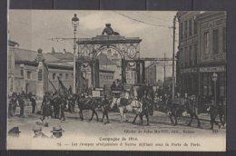 51 - Reims - Les Troupes Sénégalaises Défilant Sous La Porte De Paris - Reims