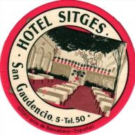 10  Hotel Labels Espagna Spain Spanje Espagne   Montserrat Cuenca Navarra Sitges San Lorenzo De Morunys LEON Oviedo - Hotel Labels