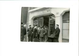 PHOTO DE L OUVERTURE DU PREMIER MAGASIN LECLERC EN 1959 - Professions