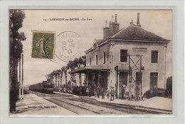 LAMARCHE-sur-SAÔNE (21) / CHEMINS DE FER / GARES AVEC TRAINS / La Gare, Arrivée D´un Train / Animation - Non Classés