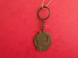 Porte Clef - Bezon 1937 / Reily 1962, AD Angusta (Année 50/60/70 Occasion 2 Photos) - Porte-clefs