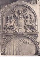 """Photo Non Située - Fronton Sculté Par G. PERRAUD En 1903  -  Femmes Aux Seins Nus , Tête De Lion Avec Initial """" CL """" - Lieux"""