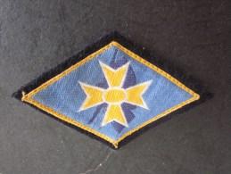 MILITARIA: --> écusson En Tissu De L'armée Française  Scratch Au Verso (Marine)--> A Identifier - Ecussons Tissu