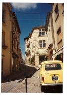 La Réole (33): Photo Projet CP GF GP D'une Voiture Renault 4L à La Pharmacie En 1990 (animé) DOC RARE. - La Réole