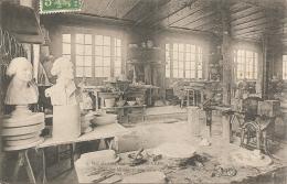 92 SEVRES 1913  Manufacture Nationale De Sèvres Atelier Des Mouleurs En Plâtre - Sevres