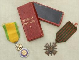 LOT MEDAILLES FRANCE 14-18 : CROIX DE GUERRE 1917 + MEDAILLE MILITAIRE