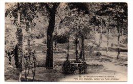 CP, 44, La Baule Les Pins, Parc Des Dryades Autour Du Puits D' Amour, Vierge, Ed : F.Chapeau - France
