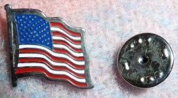 Pin Distintivo Da Occhiello Bandiera Americana USA - Pin's