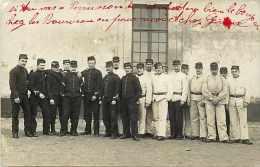 A Identifier -ref A275- Carte Photo -militaires -militaria -texte Verso : Villiers Aout 1907- Carte Photo Bon Etat - - Casernes