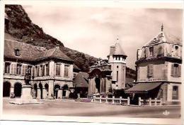 CPA 39 SALINS Les BAINS Hôtel Des Bains Place D'Armes Et Hôtel De Ville - France