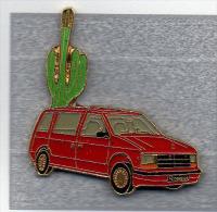 Pin´s  Automobile  Chrisler  Voyager  Rouge - Mitsubishi
