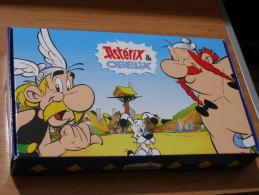 ASTERIX CHEZ LES BRETONS - FÊVES PASQUIER - COFFRET DE 8 FÊVES - NEUF - Asterix