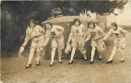 A Identifier -ref A118 -carte  Photo  A Situer-  Femmes - Porte Bonheur  - Carte Photo Bon Etat - - Femmes