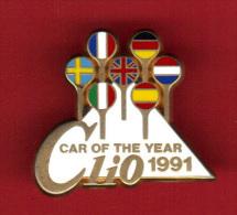 29316-Pin´s .Renault Clio. .signé Arthus Bertrand Paris. - Arthus Bertrand