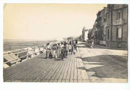 CPA - 14 - VILLERS-SUR-MER - La Promenade Des Planches, Route De Trouville - ND Phot 118 - Villers Sur Mer