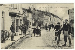 Carte Postale Ancienne La Batie Rolland - Entrée Du Pays - Bureau De Tabac - Autres Communes