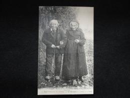 Saint - Mamet : Deux Centenaires Se Rendant à La Messe. - Saint-Mamet-la-Salvetat