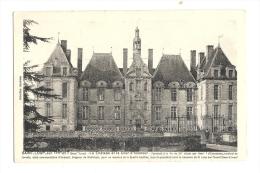 Cp, 79, St-Loup-sur-Thouet, Le Château Et Lla COur D'Honneur - Saint Loup Lamaire