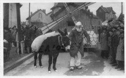 87 - SAINT SULPICE LAURIERE - RARE PHOTO FETE CARNAVAL AU CHAMP DE FOIRE - LE GRAND PERE EMILE-CLICHE LAVAUX LIMOGES - Photos