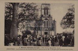DAHOMEY - Mission Africaines De Lyon - La Cathédrale De Ouidah élevée à L´endroit Ou Le R.P. Dorgère Fut. - (voir Scan). - Dahomey
