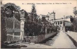 65 - Argeles - Vieilles Maisons Et Parc De L'Hôtel De France - Argeles Gazost