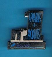 PIN´S.   INDUSTRIE RHÔNE POULENC N° 1 APPAREILS + PRODUITS - Trademarks