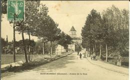 CPA  MONTMOREAU, Avenue De La Gare  8269 - Otros Municipios