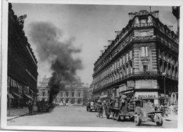75 Paris Photo L.A.P.I Guerre Lattaque De La Kommandantur Place De L´Opéra Animée - Non Classificati