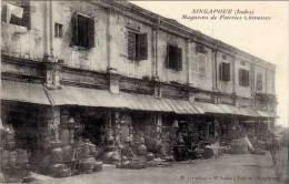 Singapour ( Indes ) - Magasins De Poteries Chinoises - Singapour