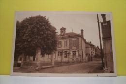 BETHISY SAINT PIERRE -la Mairie Et Les Ecoles - Otros Municipios
