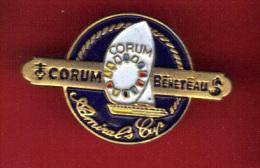 29405-Pin´s Voilier.Amiral Cup.corum Bénéteau.Bateau.signé Stadium Paris. - Barcos