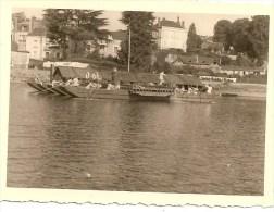 WW2 PHOTO ORIGINALE Soldats Allemands Sur  La Mayenne  Barges à CHATEAU GONTIER Entre Laval 53 & Angers - 1939-45