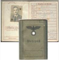 LIVRET INDIVIDUEL ALLEMAND WEHRPASS 1943  WW2 - Documenti