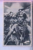 MIKRONESIEN - KAROLINEN / CAROLINES, Un Sorcier Para De Ses Fetiches / Ethnic / Völkerkunde - Mikronesien