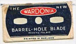 RAZOR BLADE RASIERKLINGE THE NEW WARDONIA BARREL-HOLE BLADE ,PRINTED IN ENGLAND  Nicht Ohne Rasierer Gefüllt - Rasierklingen