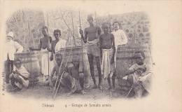 DJ6  --  DJIBOUTI  --  GROUPE DE SOMALIS ARMES  --  1904 - Dschibuti