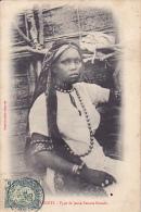 DJ8  --  DJIBOUTI  --  TYPE DE JEUNE FEMME SOMALIS   --  1905 - Dschibuti
