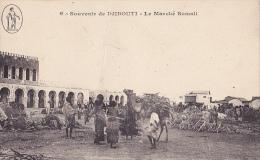 DJ11  --  SOUVENIR DE DJIBOUTI  --   LE MARCHE SOMALI   --  1920 - Dschibuti