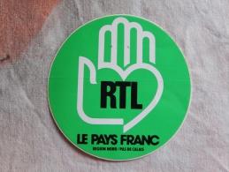 Autocollant Publicité Radio Rtl Le Pays Franc Région Nord Pas De Calais - Autocollants