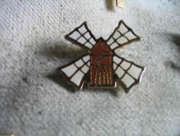 Pin's Moulin à Vent - Badges